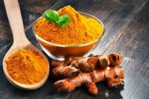 薑黃素是一種橙色的粉末
